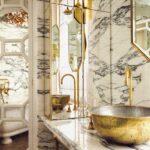 Baño De Marmol Y Apliques Dorados